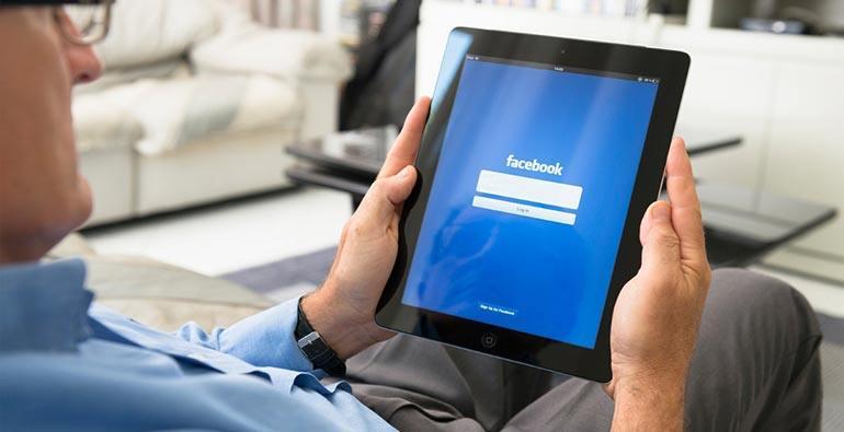 Usare Facebook come Curriculum Vitae